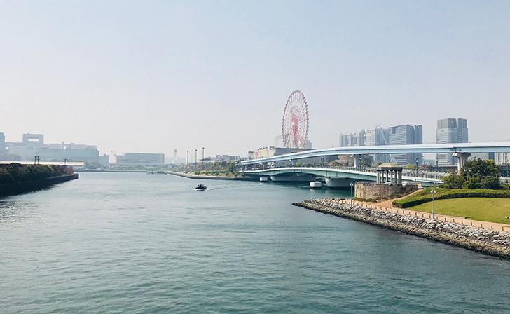 有明港近くの橋からの風景
