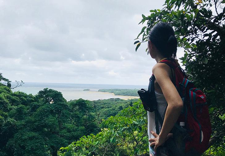 ゲータ2段目から海を眺める